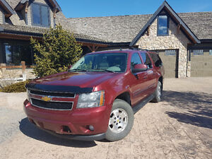 2008 Chevrolet Suburban LT SUV, Crossover Very Clean