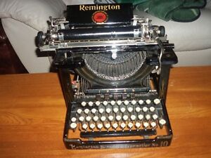 GORGEOUS 1911/12 REMINGTON STANDARD MODEL #10 TYPEWRITER