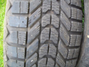 225/55/r17 SNOW TIRES (FOR SALE)