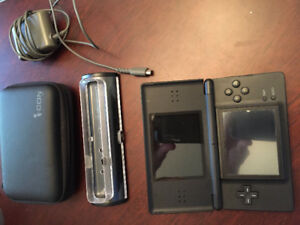 Nintendo ds lite with games and case