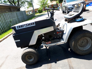 **(PRICE REDUCED)**Craftsman lawn tractor