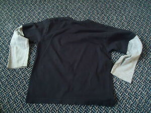 Boys Size 5 Long Sleeve Batman T-Shirt Kingston Kingston Area image 3