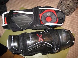 Bauer 1X Shin pads Size 13 Junior Excellent condition (Elite)