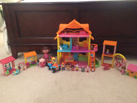 Dora House and accessories