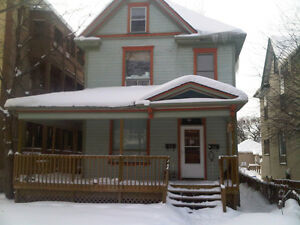 4 Bedroom Duplex in Wosley/WestBroadway $1495 a month