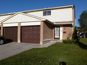 RENOVATED END UNIT WITH 3 BEDROOMS & 3 BATHROOMS! Sarnia Sarnia Area image 1