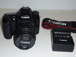 canon 70D camera with 18-55mm f3.5-5.6 is II/carry bag