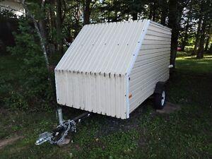 Single enclosed snowmobile/ ATV trailer