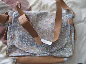 Brand new with tag, bag from Aldo, ready for spring, cost $40 Kitchener / Waterloo Kitchener Area image 1