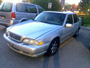 2000 Volvo S70 Wood trim Sedan