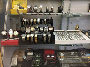 LARGE SELECTION OF SILVER RINGS, CHAINS, PENDANTS AND WATCHES