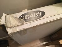 Country pine baby cot