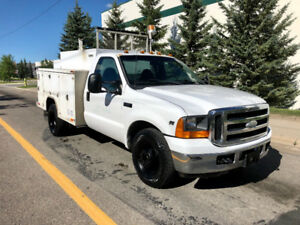 2000 Ford F-350 XL Dually RWD ***Only 97,075Kms, New tires***