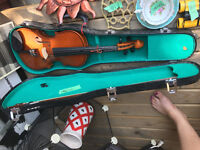 Adult fiddle/good condition/case and box