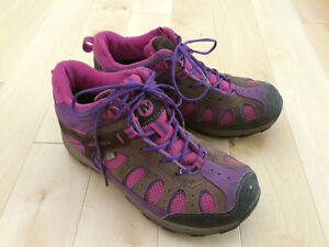 Girls Merrell shoes for fall/spring size 3.5 Kitchener / Waterloo Kitchener Area image 1