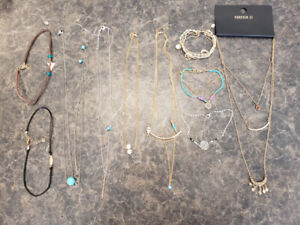 73cc4ddbf1a604 Choker Necklace | Kijiji in Edmonton. - Buy, Sell & Save with ...
