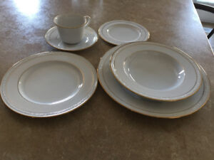 Noritake China Lockleigh White Scapes #4061