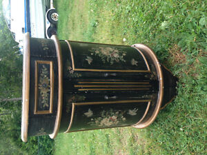 Antique look hall table