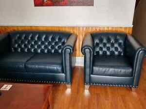 Newer  couch set London Ontario image 2