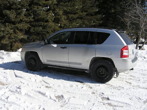 2007 Jeep Compass SUV 4X4 SAFETIED LOW KM's