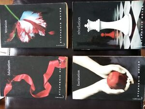 4 tomes de la saga Twilight de Stephenie Meyer