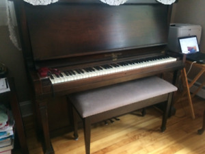 piano - musical instruments