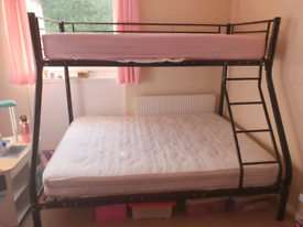 Single/double bunk bed