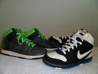 4 pairs of new nikes