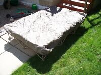 Collapsible Frame for Air Bed