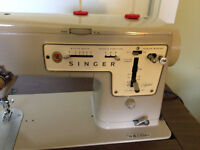 Singer Zig Zag 457 Sewing Machine in table