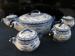 Ceramic Hen Theme Covered Casserole & 4 Mini Bakers *NEW*