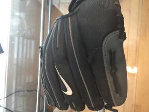 Gant de baseball nike peu utiliser