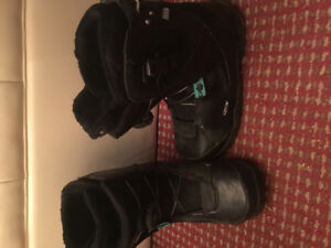 Women size 8 snowboarding boots