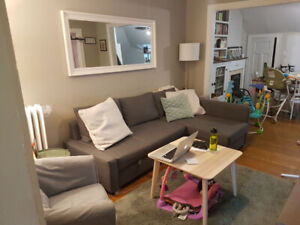 Beautiful 2 Bedroom Unit - Open Concept w/ Lots of Natural Light