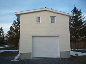 Local Entrepot Garage 16'X24' St-Isidore chauffable