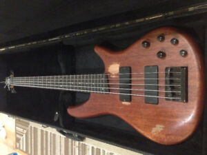 Ibanez  5 String  Bass SG SR485