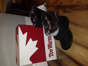 New with tags size 8 winter boots