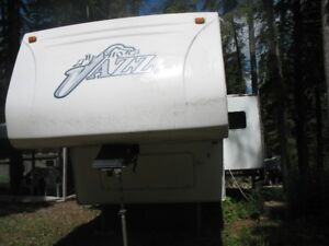 2005 Jazz 5th wheel RLS 31 ft