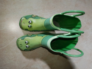 Size 6 toddler rubber boots