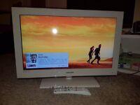 Samsung 32 white lcd