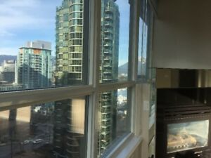 1 BD+Den Bright Newly Renovated at Classico Bldg in Coal Harbor