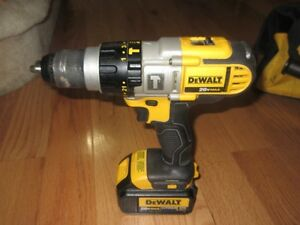 Dewalt 20v Max Hammer Drill/Driver and Impact Set Kingston Kingston Area image 8
