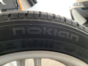 2x Nokian 235/45R17