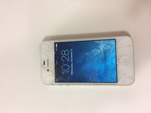 Unlocked I phone 4S for sale - screen cracked