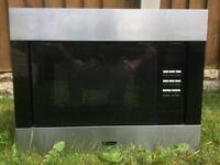 Microwave built in