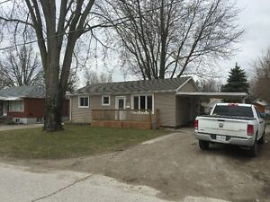 3 BEDROOM 1 BATHROOM UPDATED HOME FOR SALE IN STRATHROY!