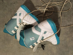 Snowboarding boots size 8 Women's