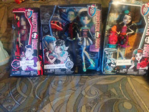 Brand new ever after high and monster high dolls