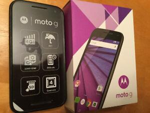 Moto g3 comme neuf voir photos avec description complète du télé