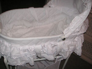 Bassinet Clean non smoker and no pets Vibrates and makes music